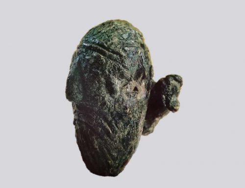 Testina barbata di epoca celtica